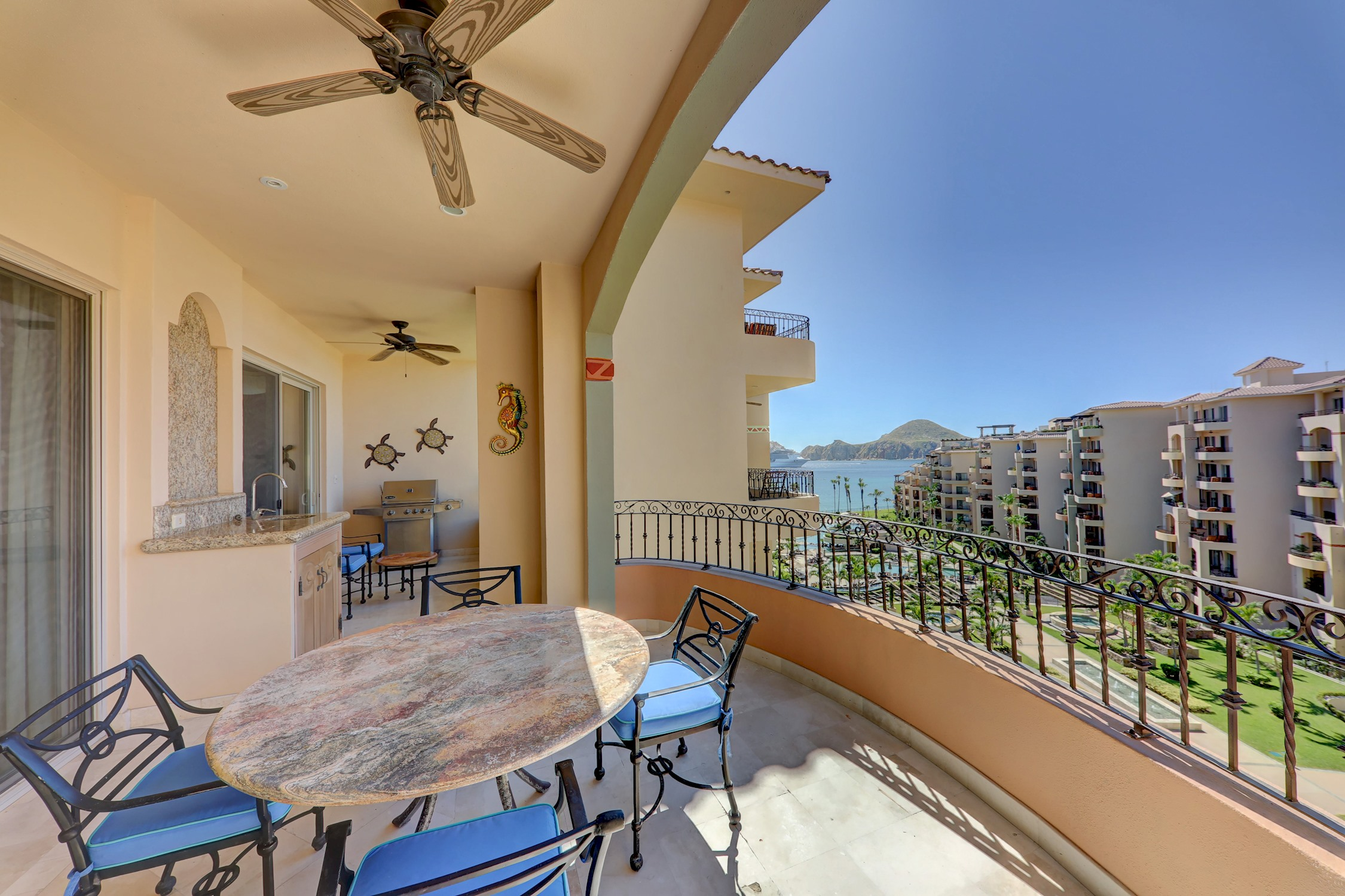 Premium Ocean View, 2 Bedrooms - 3 Bathrooms photo 22367961