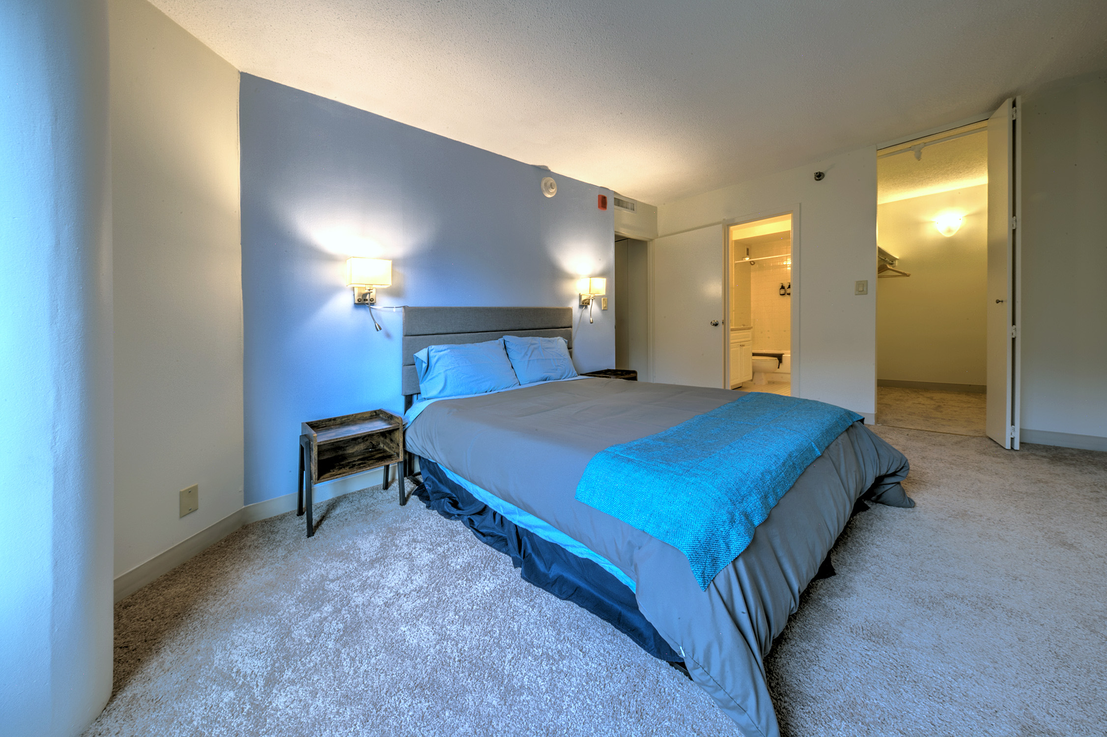 Gorgeous Apt With Dedicated Flexcation Office Space!